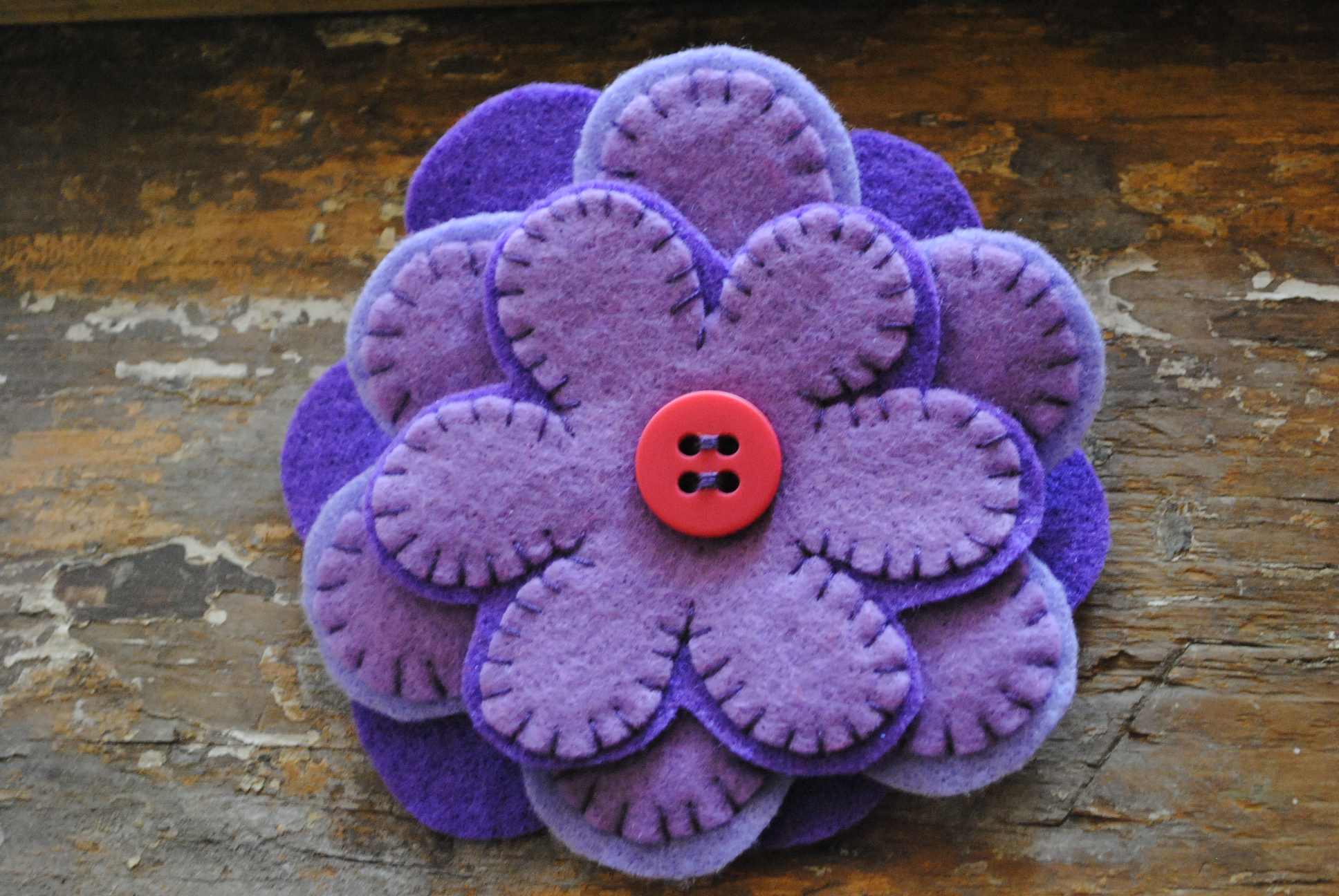 GIVEAWAY FELT FLOWER BROOCH
